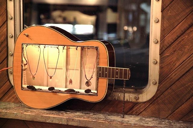 ジュエリーボックス ギター