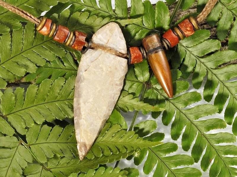 白砂勝敏 鉱物ジュエリー 石器