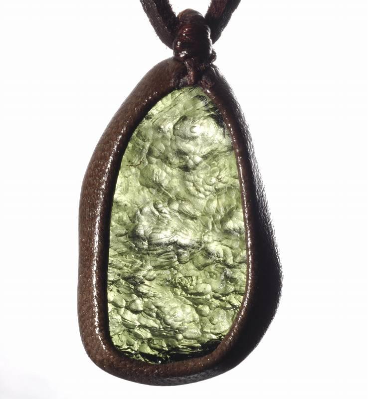 白砂勝敏 鉱物ジュエリーモルダバイト