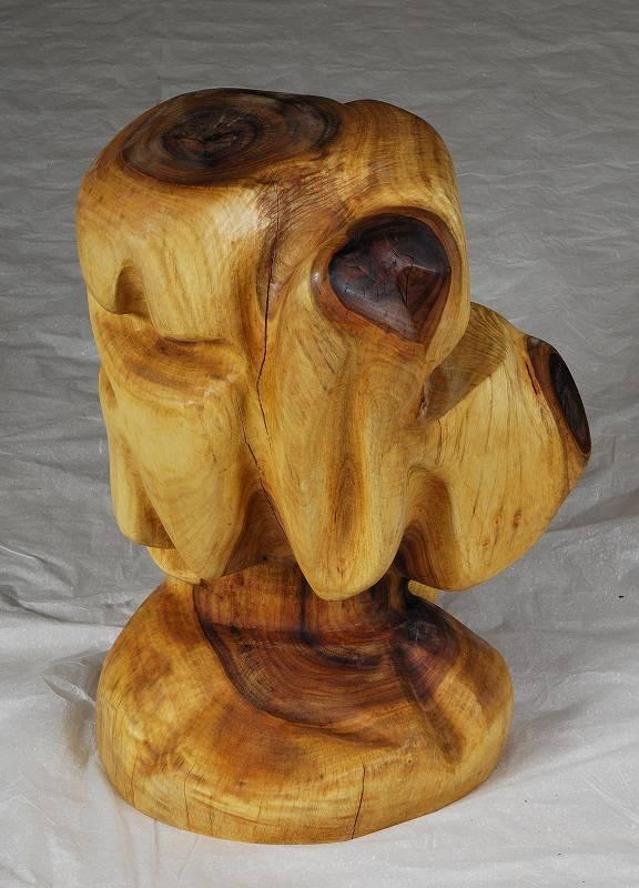 一木彫り 椅子 なごめいて