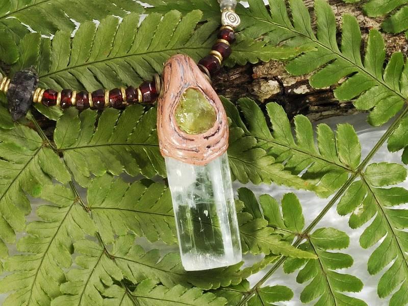 白砂勝敏 鉱物ジュエリーアクアマリン