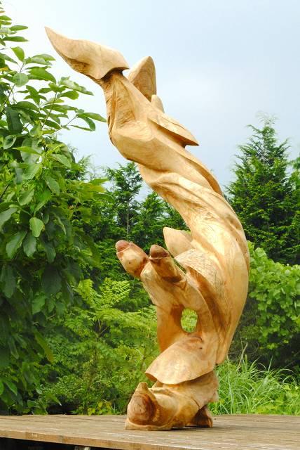 黎明 楠一木彫り